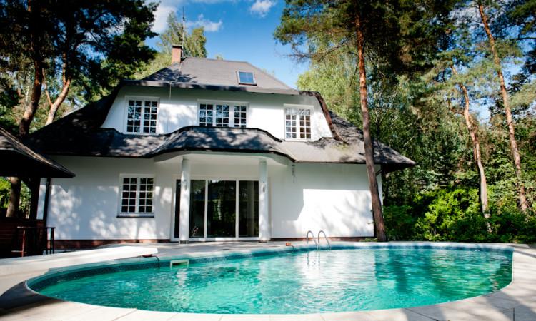 dom z basenem_sprzedaż_Warszawa